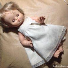 Otras Muñecas de Famosa: MUÑECA DE FAMOSA . 34 CM. VESTIDO CON ETIQUETA FAMOSA. VELL I BELL. Lote 105310023