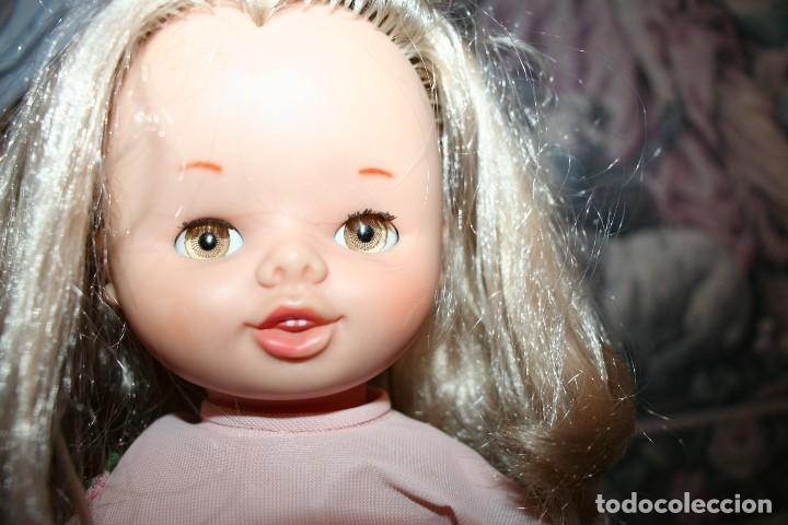 Otras Muñecas de Famosa: antigua muñeca de famosa andadora con ropa original leila - Foto 2 - 106680359