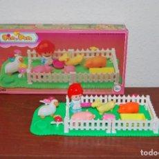 Otras Muñecas de Famosa: PIN Y PON - SERIE CAMPO - CORRALITO - CORRAL - GRANJA - 2249 - COMPLETO. Lote 107342047