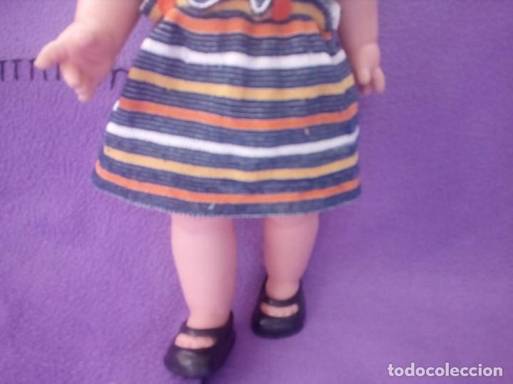 Otras Muñecas de Famosa: MARILOLI DE FAMOSA - AÑOS 70 - OJOS MARGARITA - TODA DE ORIGEN - PARECIDA A LESLY. - Foto 2 - 107497547
