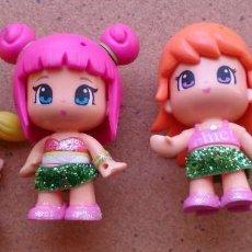 Otras Muñecas de Famosa: LOTE 4 MUÑECAS PINYPON FAMOSA FALDAS PURPURINA . Lote 149429698