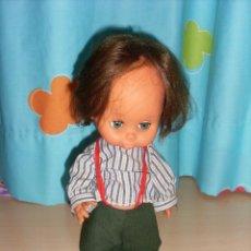 Otras Muñecas de Famosa: MUÑECO ANTIGUO CON ROPA DE FAMOSA. Lote 111475079