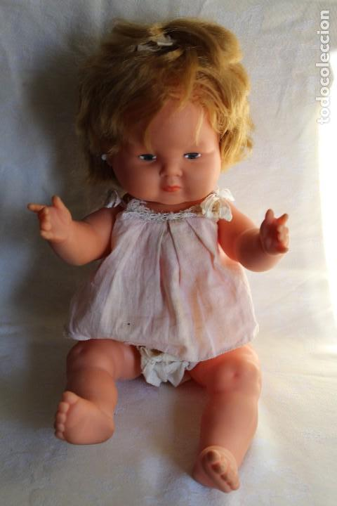 Otras Muñecas de Famosa: MUÑECA DULCITA DE GAMA CON ROPA ORIGINAL TAMAÑO NENUCO - Foto 2 - 113423423