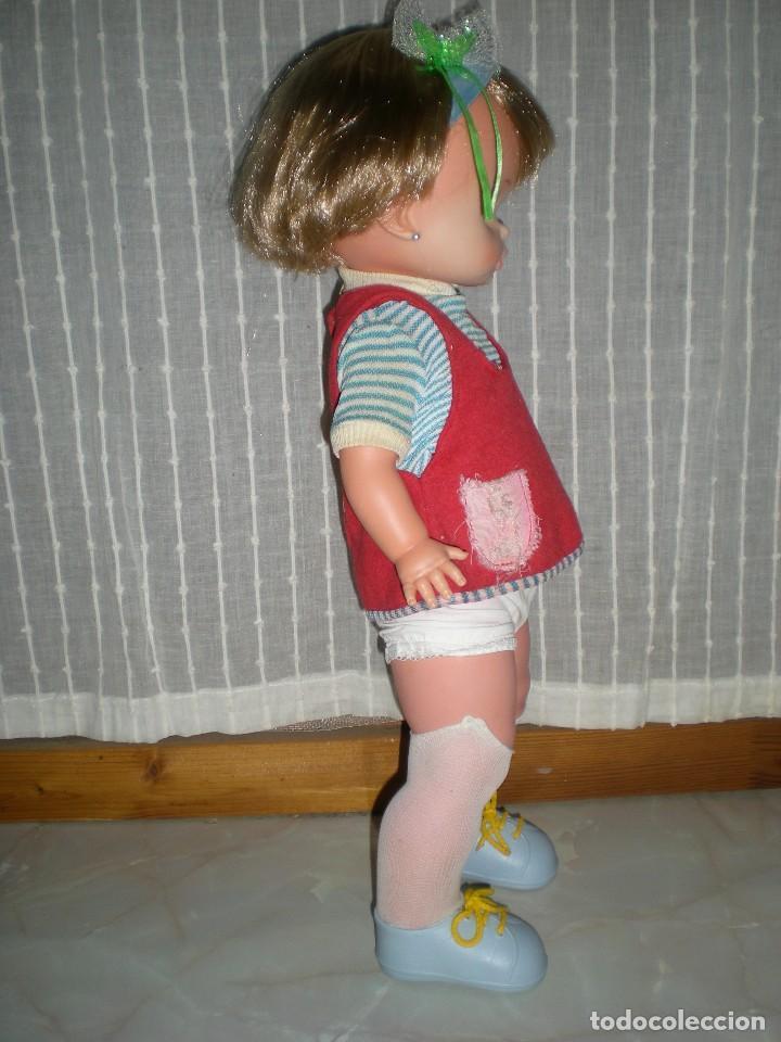 Otras Muñecas de Famosa: bonita muñeca nora de famosa años 70 pelo corto y color cerveza de origen en muy buen estado 48 cm - Foto 3 - 114296507
