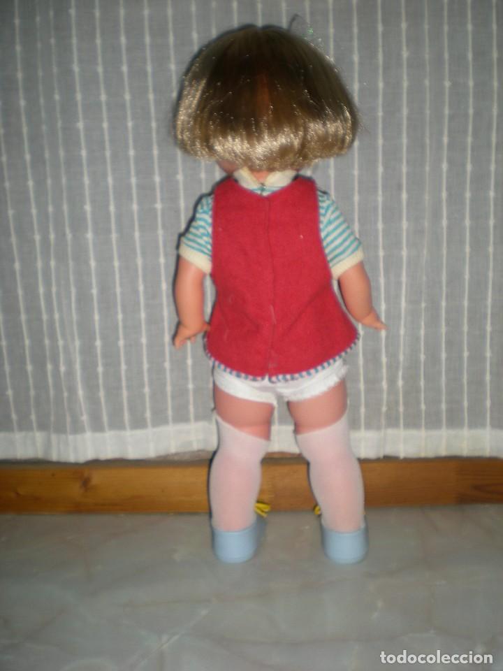 Otras Muñecas de Famosa: bonita muñeca nora de famosa años 70 pelo corto y color cerveza de origen en muy buen estado 48 cm - Foto 4 - 114296507