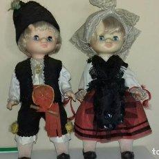Otras Muñecas de Famosa: DOS MUÑECAS MIMITAS REGIONALES DE FAMOSA OJOS MARGARITA TAMAÑO LESLY. Lote 116832623