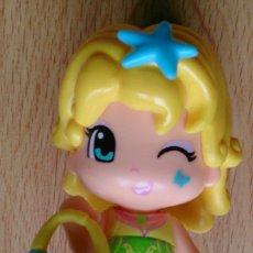Otras Muñecas de Famosa: MUÑECA PINYPON FAMOSA BOLSO AZUL. Lote 118007587