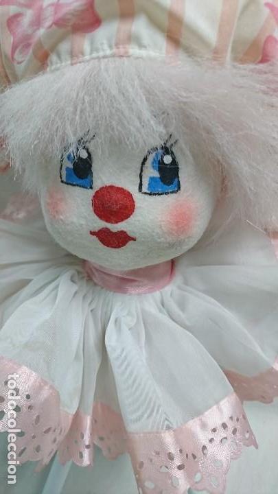 Otras Muñecas de Famosa: ANTIGUO PERCHERO DE MUÑECA ARLEQUÍN DE INDUSTRIAS LAYNA - Foto 2 - 118292691