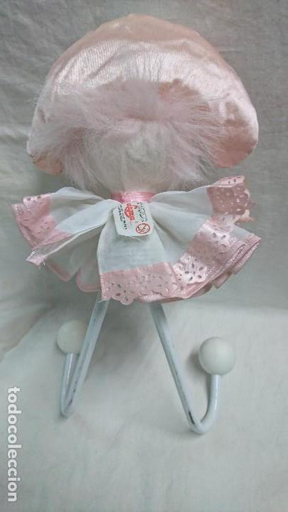 Otras Muñecas de Famosa: ANTIGUO PERCHERO DE MUÑECA ARLEQUÍN DE INDUSTRIAS LAYNA - Foto 3 - 118292691