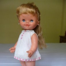 Otras Muñecas de Famosa: GRACIOSA MUÑECA CAROLIN DE FAMOSA OJOS MARGARITA CON ROPA ORIGINAL EPOCA NANCY. Lote 119488299