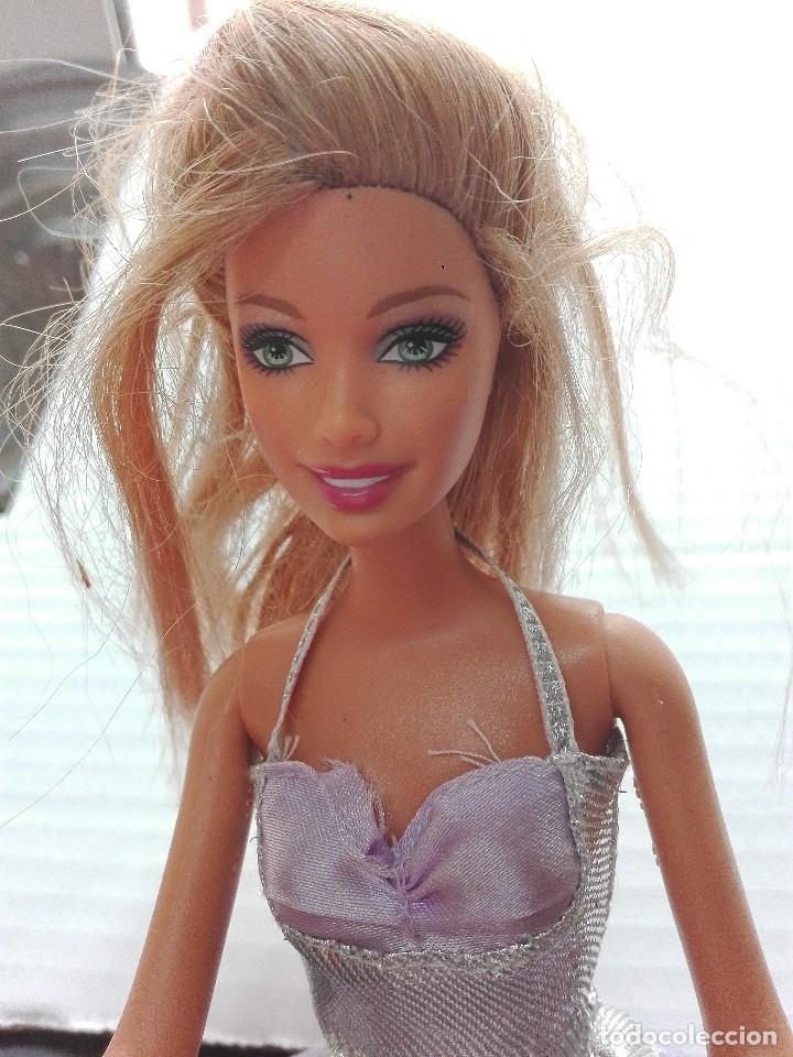 Otras Muñecas de Famosa: Muñeca Barbie de Mattel articulada medidas 32 cm complementos - Foto 3 - 121214387