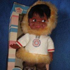 Otras Muñecas de Famosa: MUÑECA ESQUIMAL AÑOS 60 REGAL MADE IN CANADA NUEVA, ROYAL DOLL. Lote 121257351