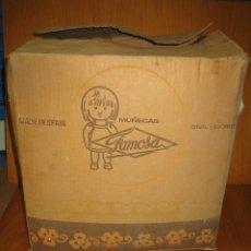 Otras Muñecas de Famosa: ANTIGUA CAJA DE MUÑECAS FAMOSA. Lote 121415923