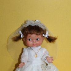 Otras Muñecas de Famosa: MUÑECA RAPACINÑA DE FAMOSA VESTIDA DE COMUNION - AÑOS 60. Lote 121656503