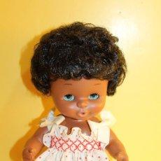 Otras Muñecas de Famosa: MUÑECA CURRINA NEGRA DE FAMOSA - AÑOS 70. Lote 125303879