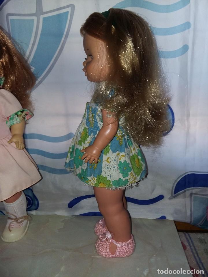Otras Muñecas de Famosa: bonita muñeca leila andadora de famosa rubia cerveza año 70 funcionando ropa original lee descripcio - Foto 3 - 125403831