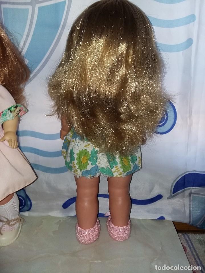Otras Muñecas de Famosa: bonita muñeca leila andadora de famosa rubia cerveza año 70 funcionando ropa original lee descripcio - Foto 4 - 125403831