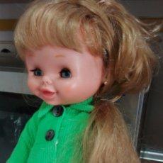 Otras Muñecas de Famosa: CAROLIN CAROLYN DE FAMOSA PRECIOSA PELO RUBIO CERVEZA LEER. Lote 125462299