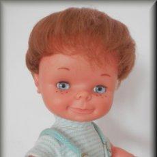 Otras Muñecas de Famosa: MUÑECO CHATUCO DE FAMOSA CON CONJUNTO ORIGINAL. Lote 126546591