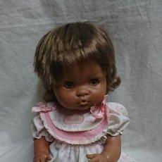 Otras Muñecas de Famosa: MUÑECA NENUCO MULATA ASIÁTICO NEGRITA DE FAMOSA AÑO 1989. Lote 127000027