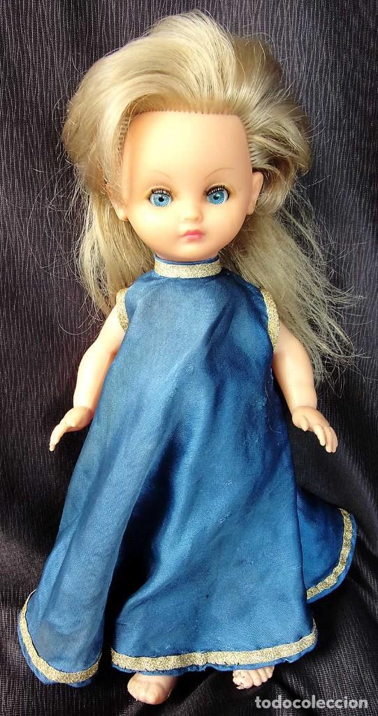 Otras Muñecas de Famosa: ANTIGUA MUÑECA DE PLÁSTICO RÍGIDO. BELLA. FABRICADA EN FRANCIA. AÑOS 60. NO ES NANCY. - Foto 2 - 127905359