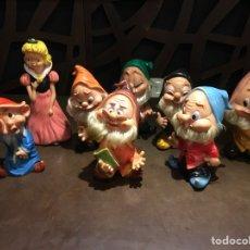 Otras Muñecas de Famosa: MUÑECOS GOMA BLANCANIEVES Y LOS SIETE ENANITOS FAMOSA WALT DISNEY Y FERRARIO. Lote 128647450