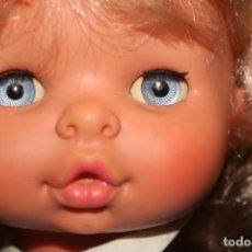 Otras Muñecas de Famosa: MUÑECA CHELITO DE FAMOSA MUY NUEVA CON ROPA ORIGINAL. Lote 130654038