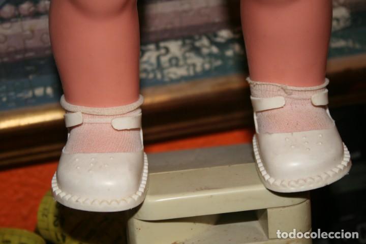 Otras Muñecas de Famosa: muñeca chelito de famosa muy nueva con ropa original - Foto 7 - 130654038