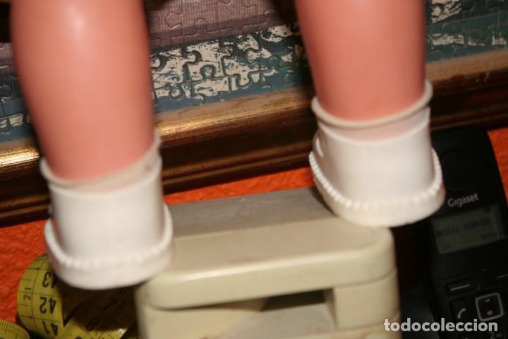 Otras Muñecas de Famosa: muñeca chelito de famosa muy nueva con ropa original - Foto 8 - 130654038