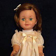 Otras Muñecas de Famosa: MUÑECA,SABELA DE FAMOSA DE LOS AÑOS 60.MIDE 57 CM. Lote 133549710