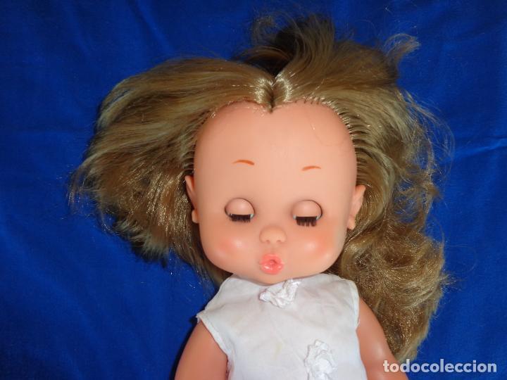 Otras Muñecas de Famosa: CAROL - MUÑECA CAROL DE FAMOSA VESTIDA Y CALZADA DE ORIGEN, AÑOS 60 OJOS IRIS MARGARITA AZULES! SM - Foto 5 - 134234078