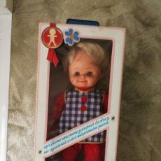 Otras Muñecas de Famosa: MUÑECO MAY ANDADOR DE FAMOSA AÑOS 70. Lote 135133330