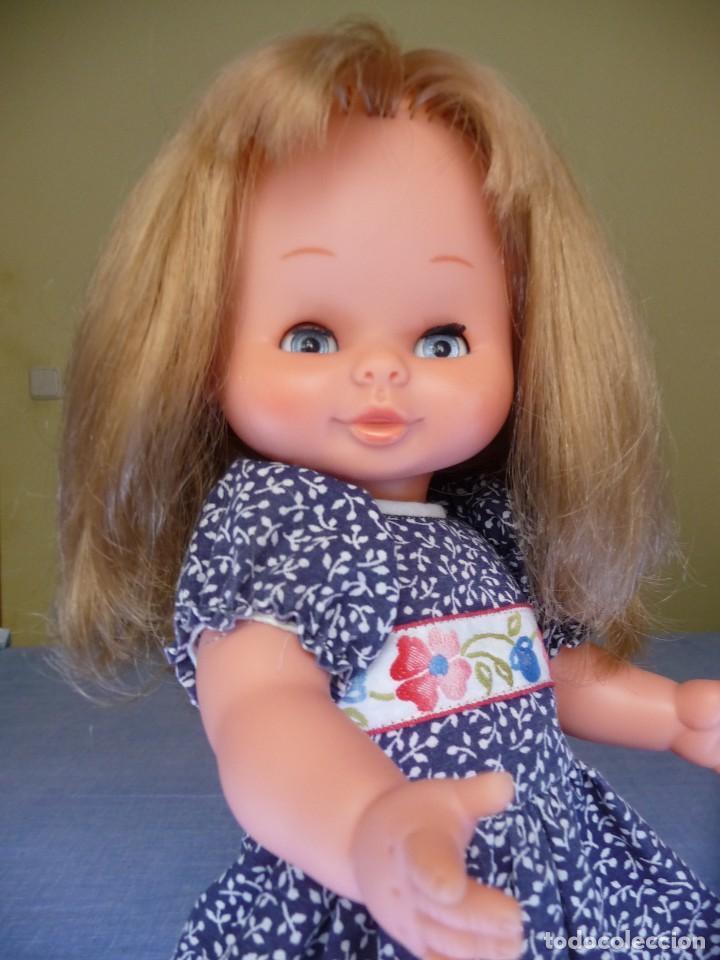 Otras Muñecas de Famosa: Muñeca Mari Loli de famosa rubia cerveza ojos azul margarita epoca de Nancy Mariloli ropa original - Foto 2 - 136294630