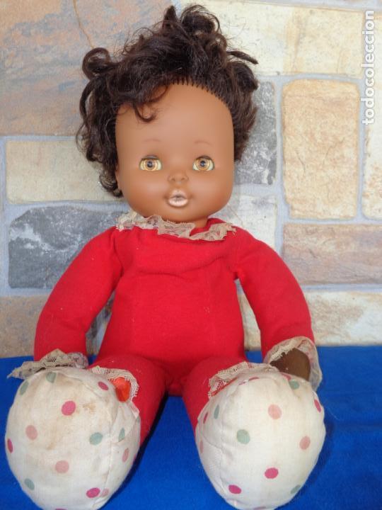Otras Muñecas de Famosa: MIMITA MIMOSA NEGRITO, DE FAMOSA AÑOS 70, OJOS IRIS MARGARITA MARRONES, VER FOTOS Y DESCRIPCION! SM - Foto 11 - 136415354