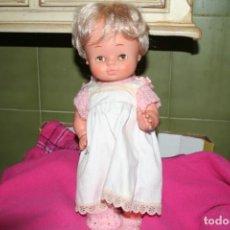 Otras Muñecas de Famosa: ANTIGUA MUÑECA DE FAMOSA OJOS MARGARITA BASTANTE NUEVO CON ROPA MOCOSETE. Lote 136802590