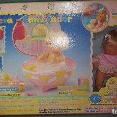Otras Muñecas de Famosa: MUÑECO DE FAMOSA CON ACCESORIOS. Lote 137647426