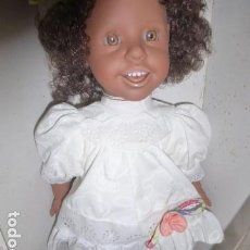 Otras Muñecas de Famosa: MUÑECA MULATA DE FAMOSA, SIN USO CON CAJA ORIGINAL . Lote 139877770