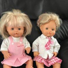 Otras Muñecas de Famosa: NENUCO Y NENUCA COLEGIALES - ROPA ORIGINAL. Lote 141893592