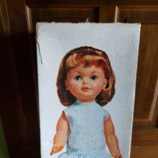 Otras Muñecas de Famosa: DIFÍCIL CAJA MUÑECA SABELA DE FAMOSA AÑOS 60. Lote 142142946
