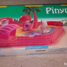 Otras Muñecas de Famosa: PINYPON 2377 - PIN Y PON - PARQUE ACUATICO. Lote 142962038