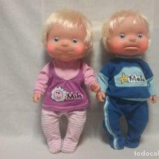 Otras Muñecas de Famosa: PAREJA DE MUÑECAS MILA Y MALO DE FAMOSA - ROPA ORIGINAL - FUNCIONAN . Lote 144657686