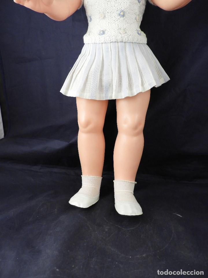 Otras Muñecas de Famosa: MUÑECA DE FAMOSA 50 CM DE ALTURA OJOS DURMIENTES - Foto 3 - 145058194
