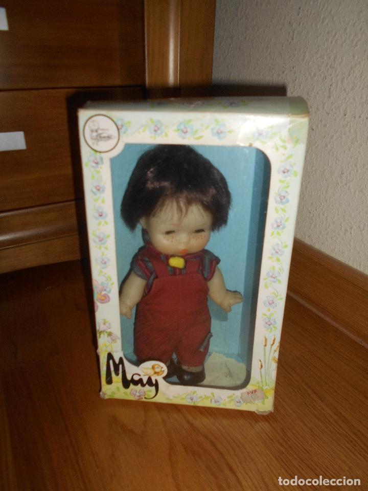 MUÑECA MAY NIÑA MORENA DE FAMOSA OJOS DURMIENTES (Juguetes - Muñeca Española Moderna - Otras Muñecas de Famosa)
