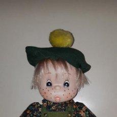 Otras Muñecas de Famosa: MUÑECA TOMASIN DE FAMOSA VESTIDO DE ORIGEN. Lote 152317070