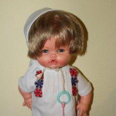 Otras Muñecas de Famosa: MUÑECA CHUPETIN VICMA AÑOS 70 COMPARTIR LOTE. Lote 152907970