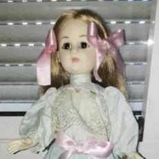 Otras Muñecas de Famosa: REVIVAL DE FAMOSA. Lote 153213918