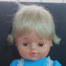 Otras Muñecas de Famosa: MUÑECO PANSY FAMOSA CON ROPA DE ORIGEN. Lote 154660350