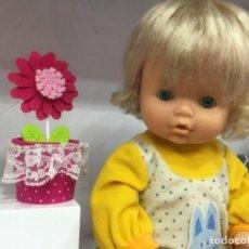 Otras Muñecas de Famosa: NENUCA DE FAMOSA CON TRAJE DIFÍCIL . Lote 155083454