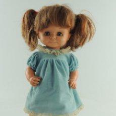 Otras Muñecas de Famosa: PRECIOSA MUÑECA FAMOSA AÑOS 60-70 VESTIDO ORIGINAL. Lote 155485954