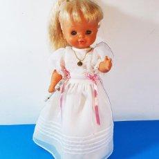 Otras Muñecas de Famosa: BONITA MUÑECA FAMOSA HELEN COMUNION CON MINISON, FUNCIONA: HABLA Y SE ENCIENDE LA VELA, 38 CM ALTO. Lote 158269514